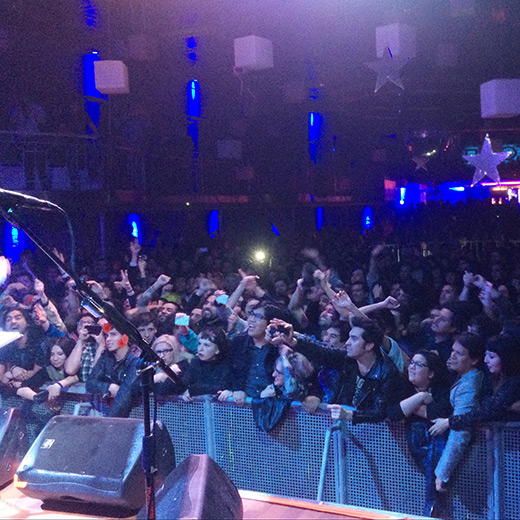 Glass attack last night at Santiago,	Club Blondie in Chile. No reflection on the rest of the crowd. Great gig. It lives.